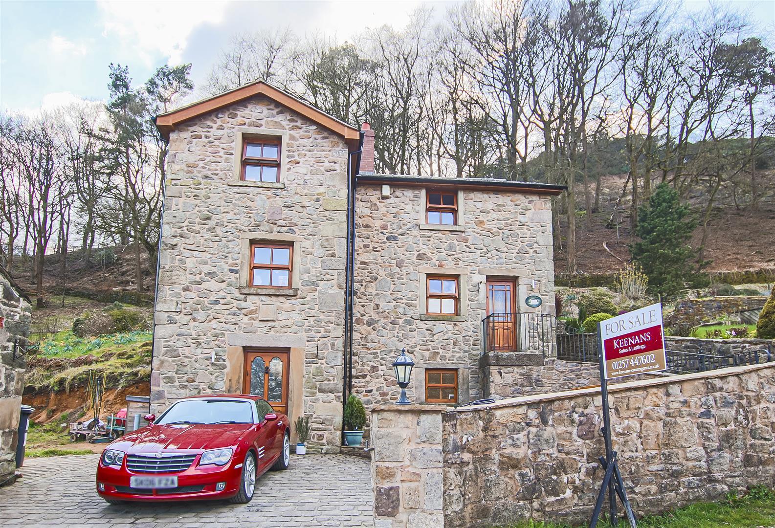 4 Bedroom Detached House For Sale - IMG_8928.jpg